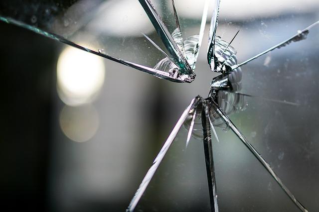 glass-1497227_640