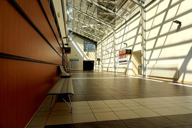 corridor-1729534_640